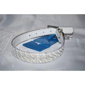 Collier MAGIE blanc, collier fantaisie en simili-cuir, avec sa farandole de paillettes en camaïeu azur