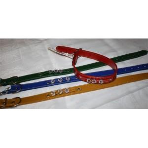 Collier en cuir avec inscription DOG en diamants. Taille 37 à 46 cm, largeur 2,5 cm
